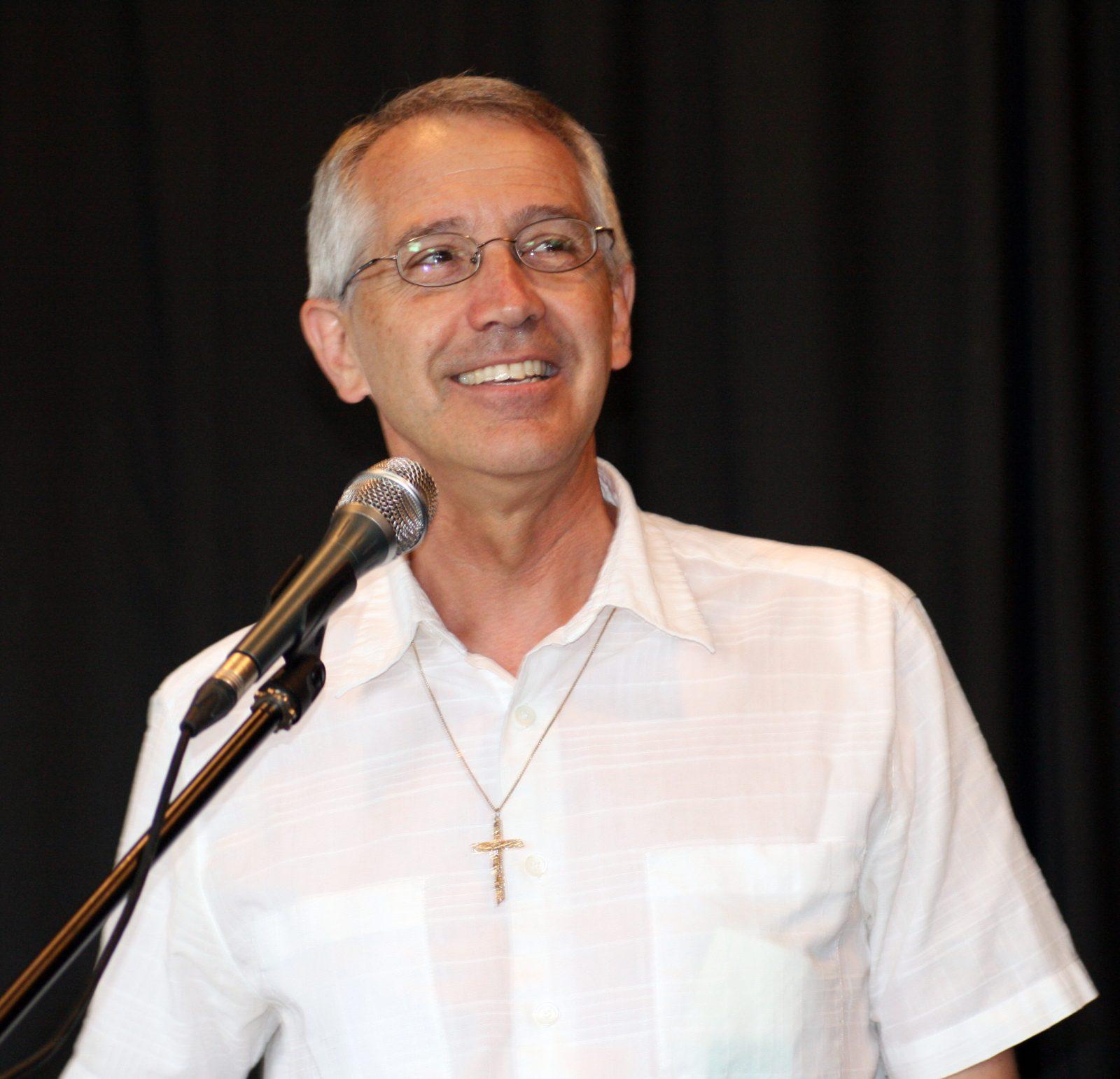 Le départ du curé Jean-Claude Poitras souligné à la paroisse Saint-Luc