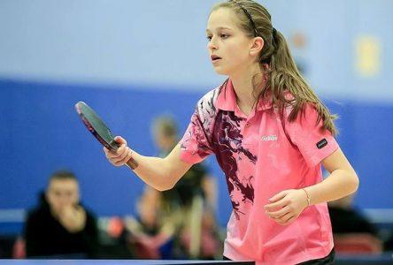 Tennis de table : Alicia Côté est championne canadienne