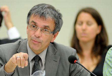 Claude Proulx démissionne et est nommé à un poste d'adjoint