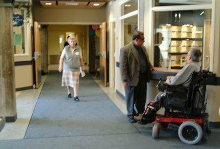 13 mesures pour de meilleurs soins et une dignité en CHSLD