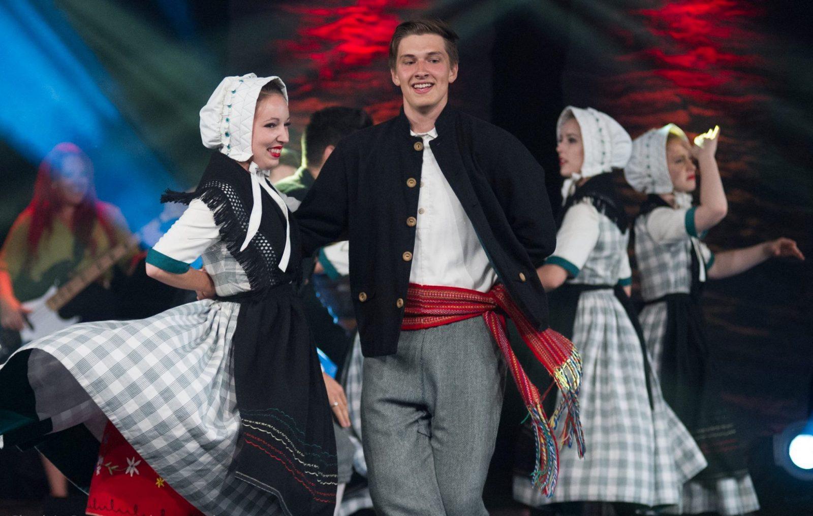 Mackinaw recherche des danseurs