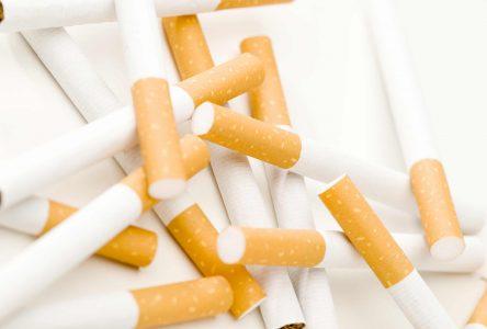 Les paquets de cigarettes seront bientôt… bruns