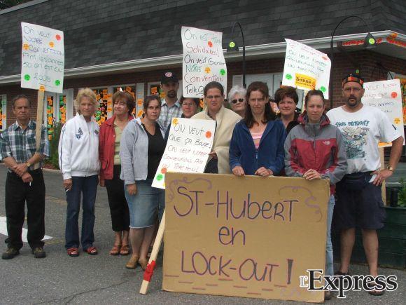 La Rôtisserie Saint-Hubert licencie la moitié de son personnel