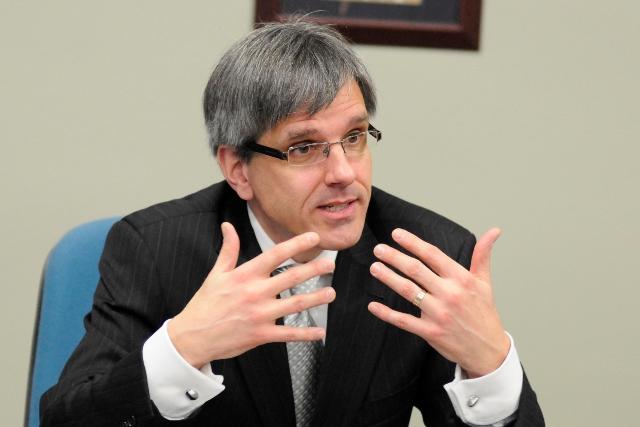 Jean-François Houle apôtre du «moins de ministère, plus de commission scolaire»
