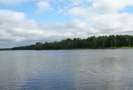 Sportèque ensemence la rivière Saint-François!