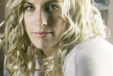 Un autre été fort rempli pour la chanteuse country Véronique Labbé