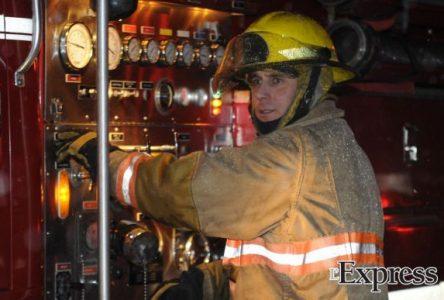 Des guenilles imbibées d'huile de lin causent un incendie (photos)