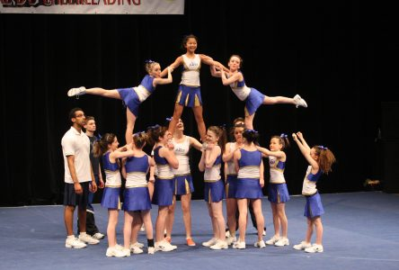 Les Djinns brillent en cheerleading et en gymnastique