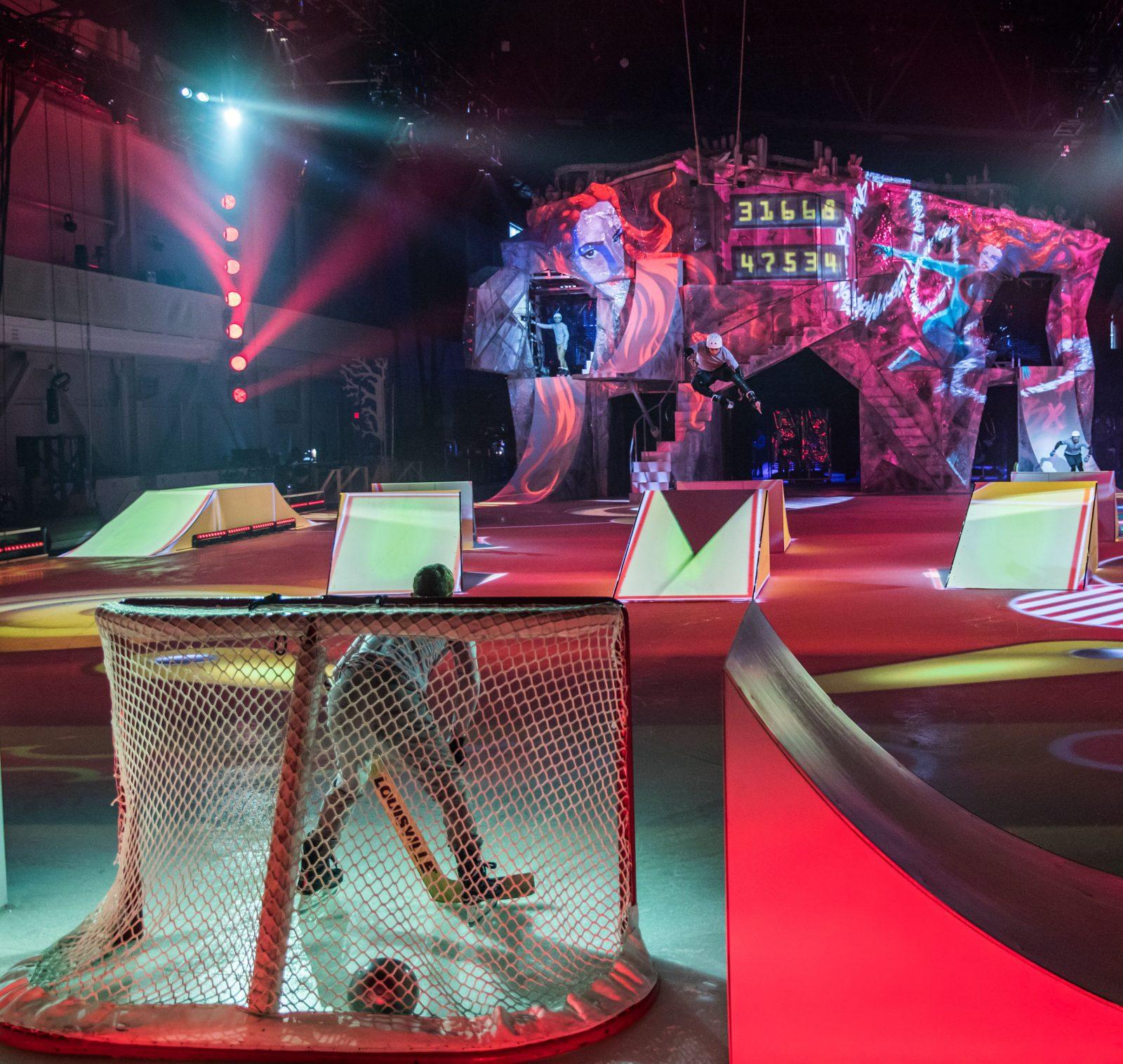 Kevin Lapierre sur deux lames au Cirque du Soleil