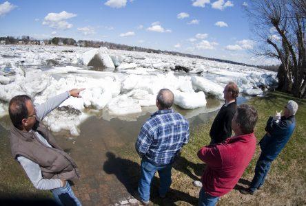 Rivière Saint-François : inondations, évacuations et mesures d'urgence