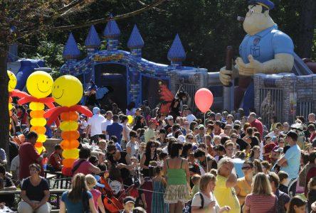 Plus de 5000 personnes ont célébré les couleurs de la Nouvelle-Orléans (photos)