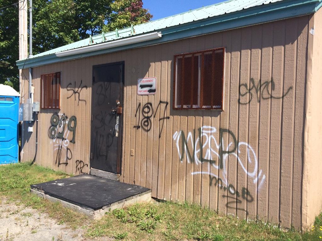 Les graffitis continuent de faire des ravages