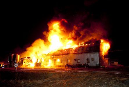 Une étable détruite par un incendie