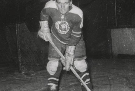 Jean-Luc Bessette carbure au hockey depuis sept décennies