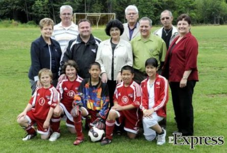 La Ville inaugure un troisième terrain de soccer au parc Boisbriand