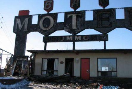Le Motel Drummond ravagé par les flammes