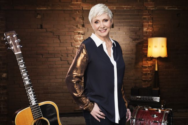 Atteinte d'un cancer, Renée Martel annule sa tournée