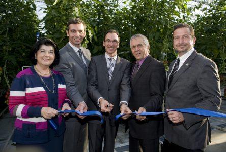 Demers inaugure une serre écologique unique en Amérique du Nord