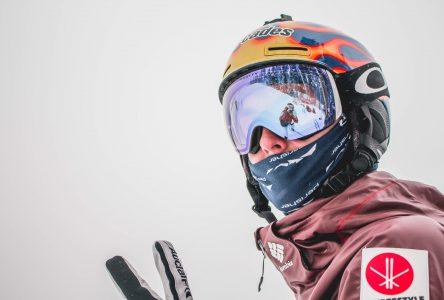 Ski acrobatique : Elliot Vaillancourt s'adapte et termine 5e