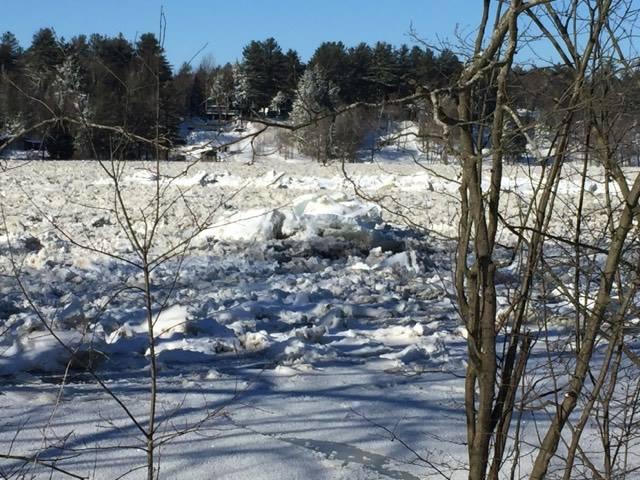 Crue printanière : la Ville garde un oeil sur la rivière
