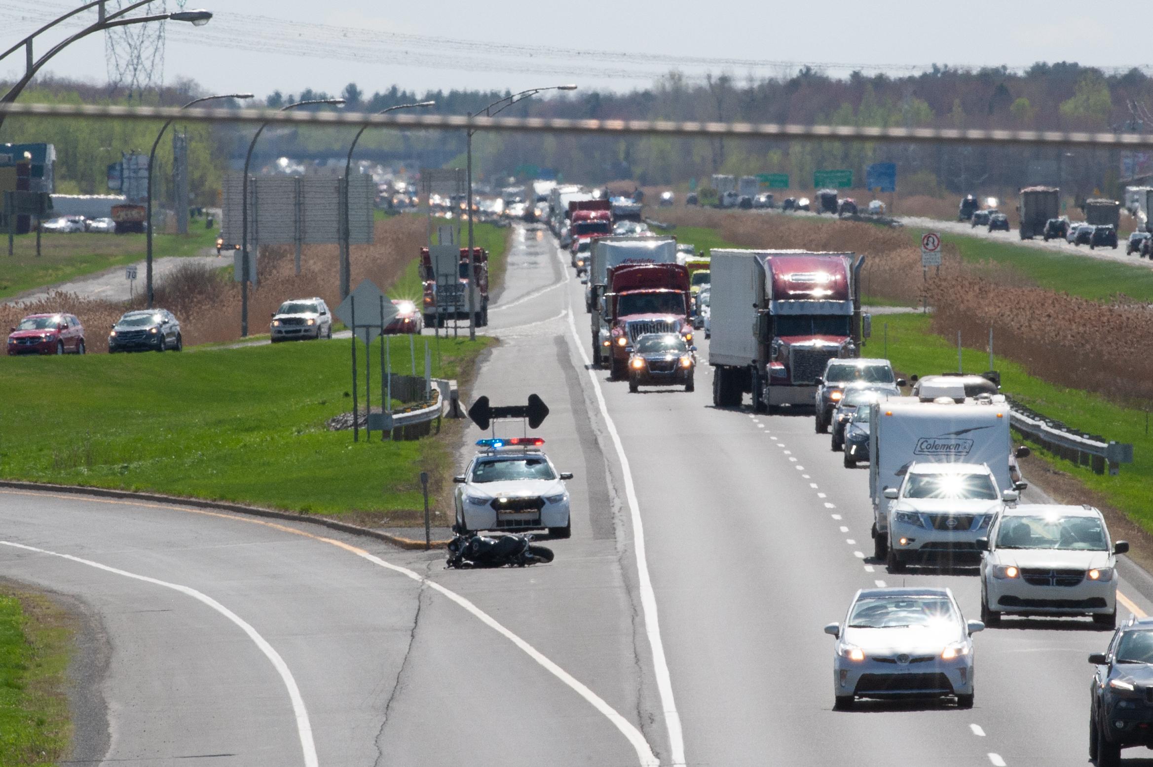 Un accident cause un bouchon sur l'autoroute