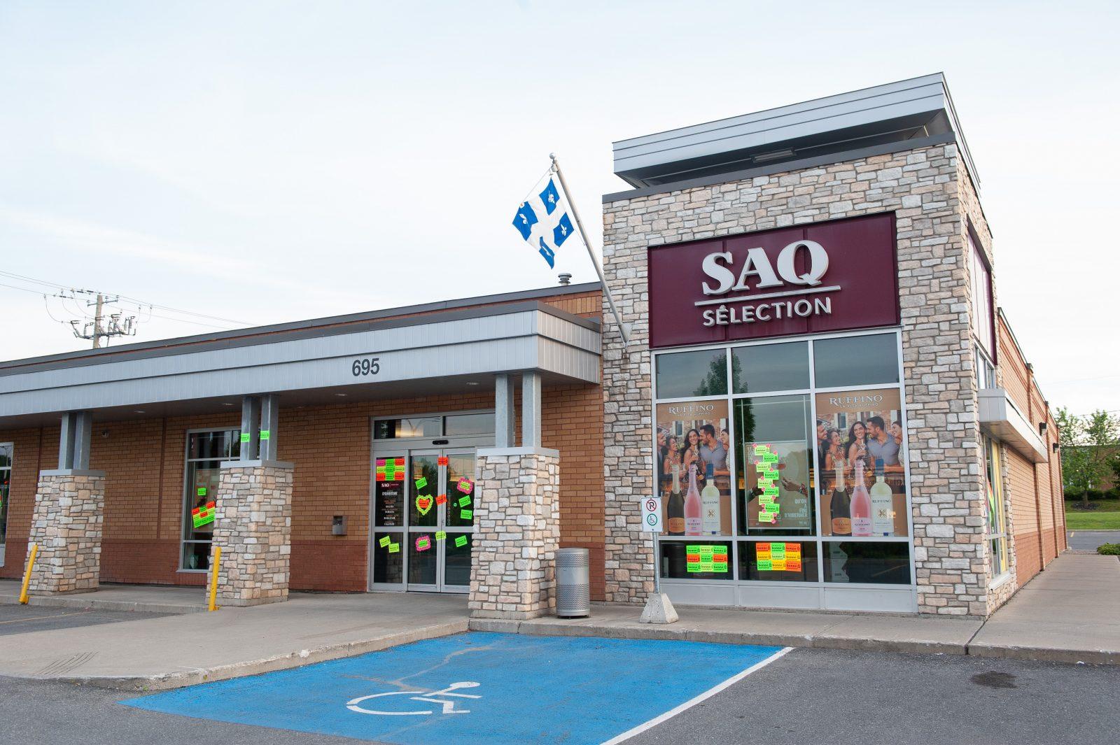 La SAQ assumera les frais de nettoyage des vitrines (mise à jour)