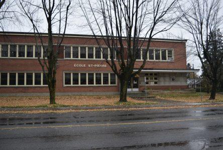 Cas de COVID-19 à l'école St-Pierre: peu de risques de transmission