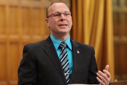 Gaz à effet de serre: François Choquette déplore la décision d'Ottawa