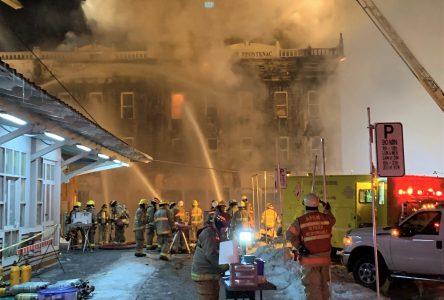 Des pompiers d'ici ont combattu l'incendie majeur de Saint-Hyacinthe