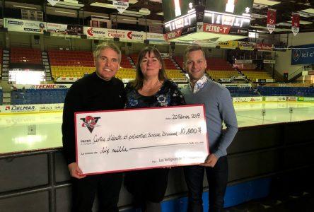 Les Voltigeurs recueillent 10000 $ pour la cause du suicide