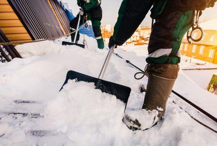 La Société d'habitation du Québec rappelle qu'il est important de déneiger son toit