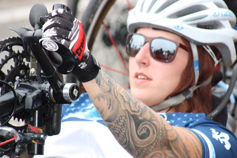 La paraplégique Camille René rayonne dans sa discipline: le vélo à mains