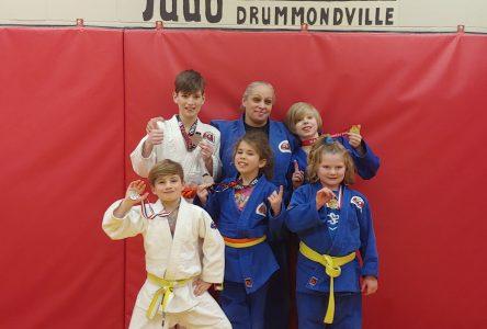 Des médailles pour six jeunes judokas de Drummondville