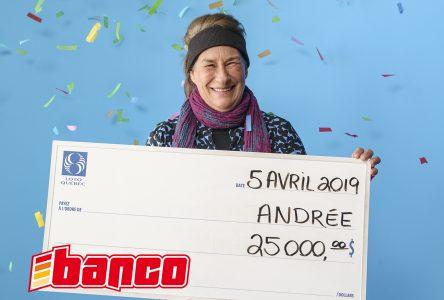 Elle gagne 25000 $ au Banco
