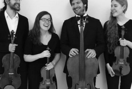 Deux violons, un alto et un violoncelle à Saint-Bonaventure le 28 avril