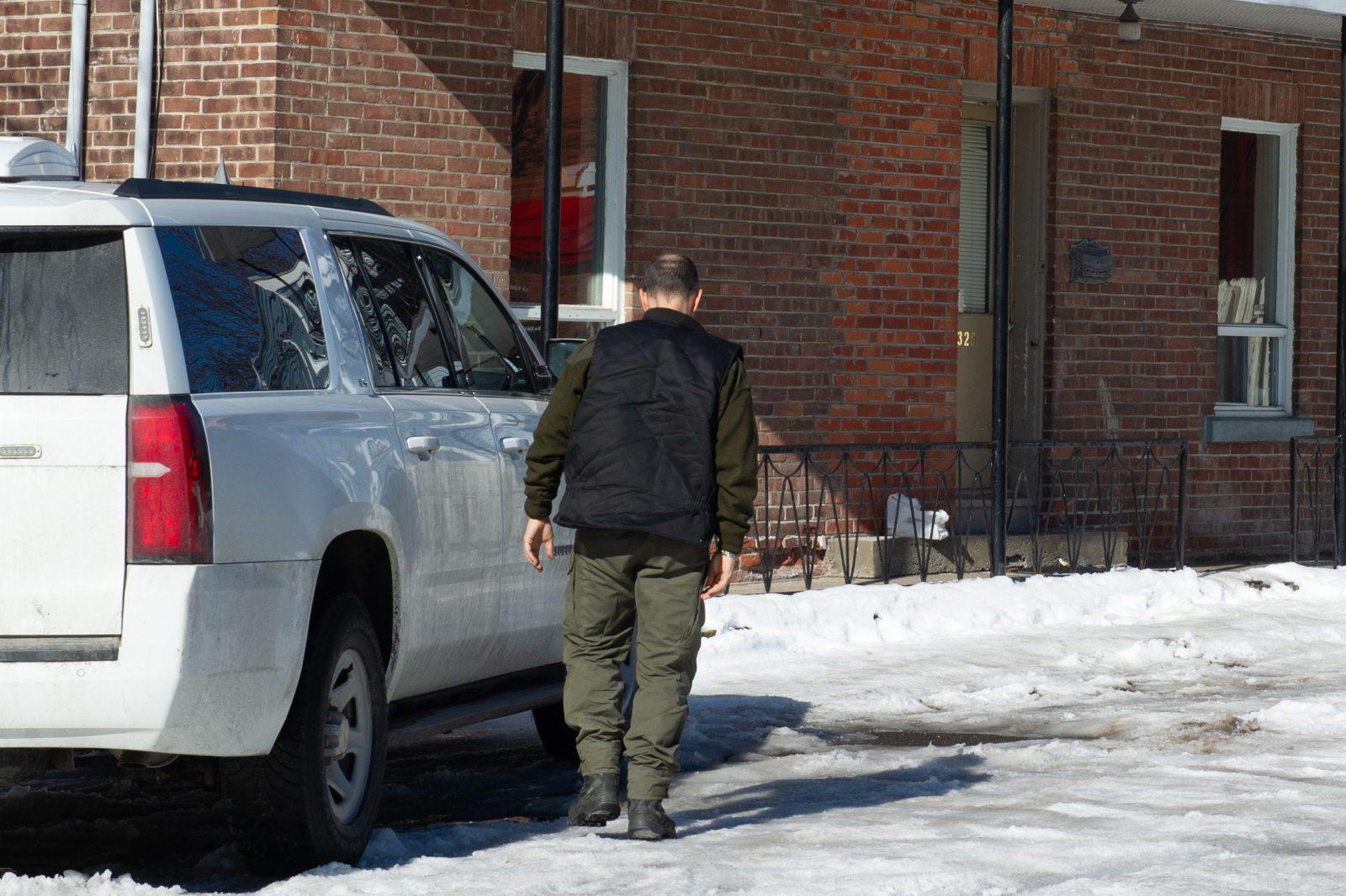 Perquisition et arrestations sur la rue Frontenac