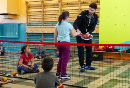 Initiation au tennis à l'école Immaculée-Conception