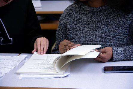 Le Cégep bannit les relations intimes entre étudiants et professeurs, mais…