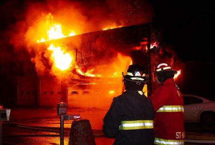 Violent incendie à Wickham (photos et vidéo)