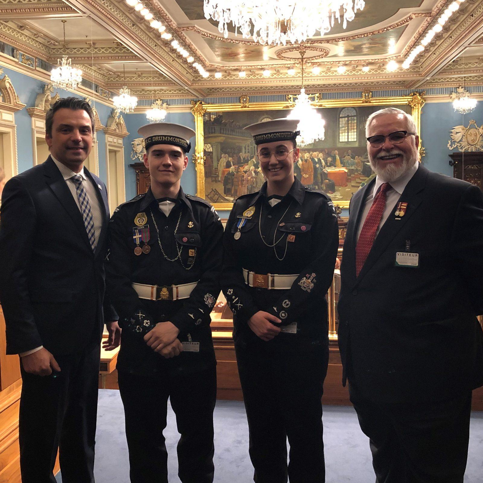 Schneeberger souligne le 50e anniversaire du Corps de cadets de la marine