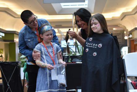 Raser ses cheveux pour soutenir les enfants atteints de cancer