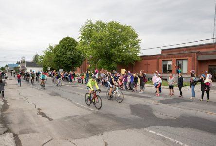 Saint-Cyrille a séduit les cyclistes du Grand défi Pierre Lavoie