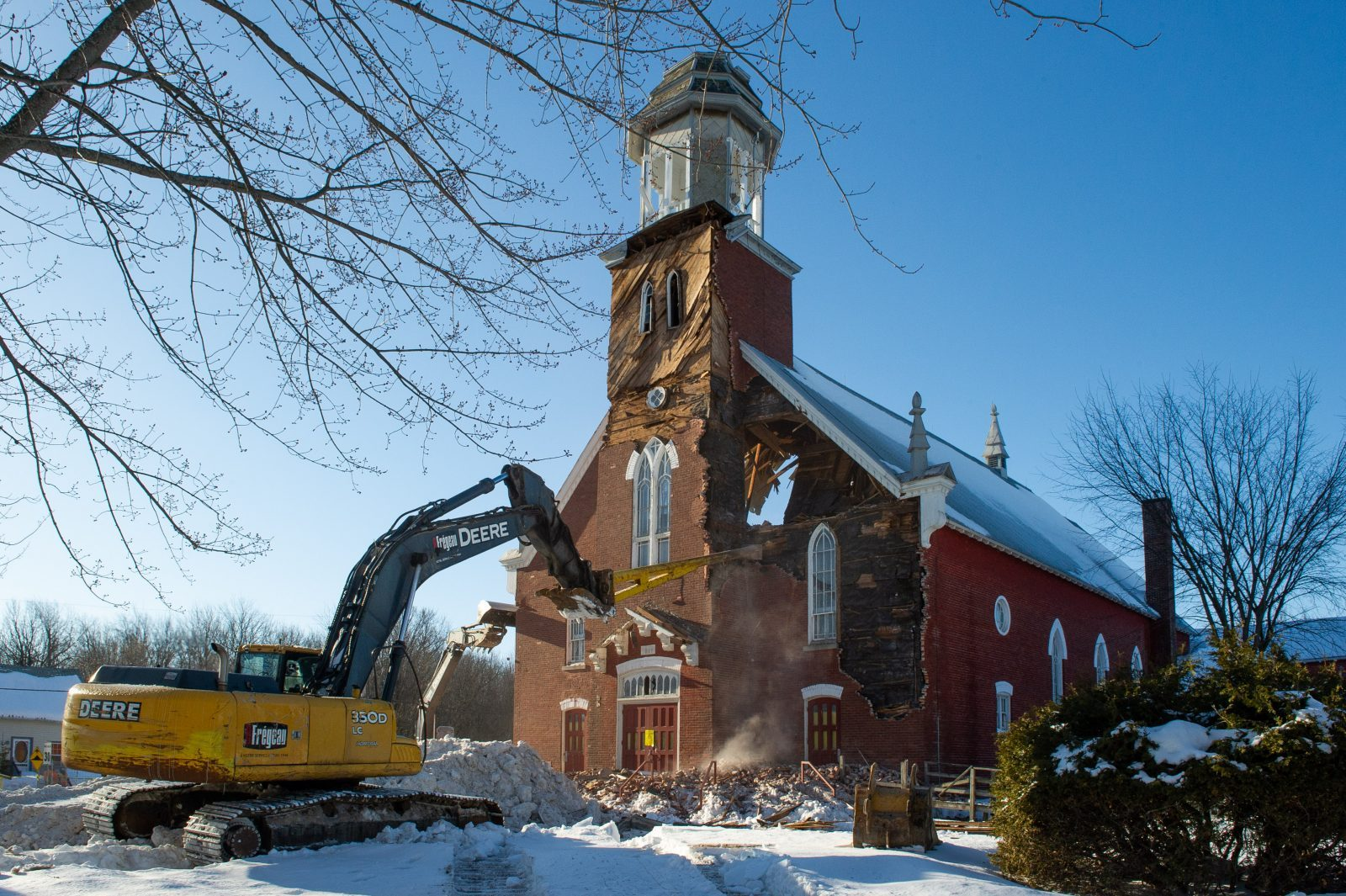 Saint-Edmond : les biens que contenait l'église sont mis en vente