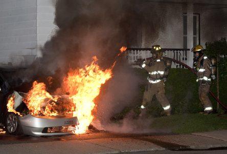 Voitures électriques : un nouveau défi pour les pompiers
