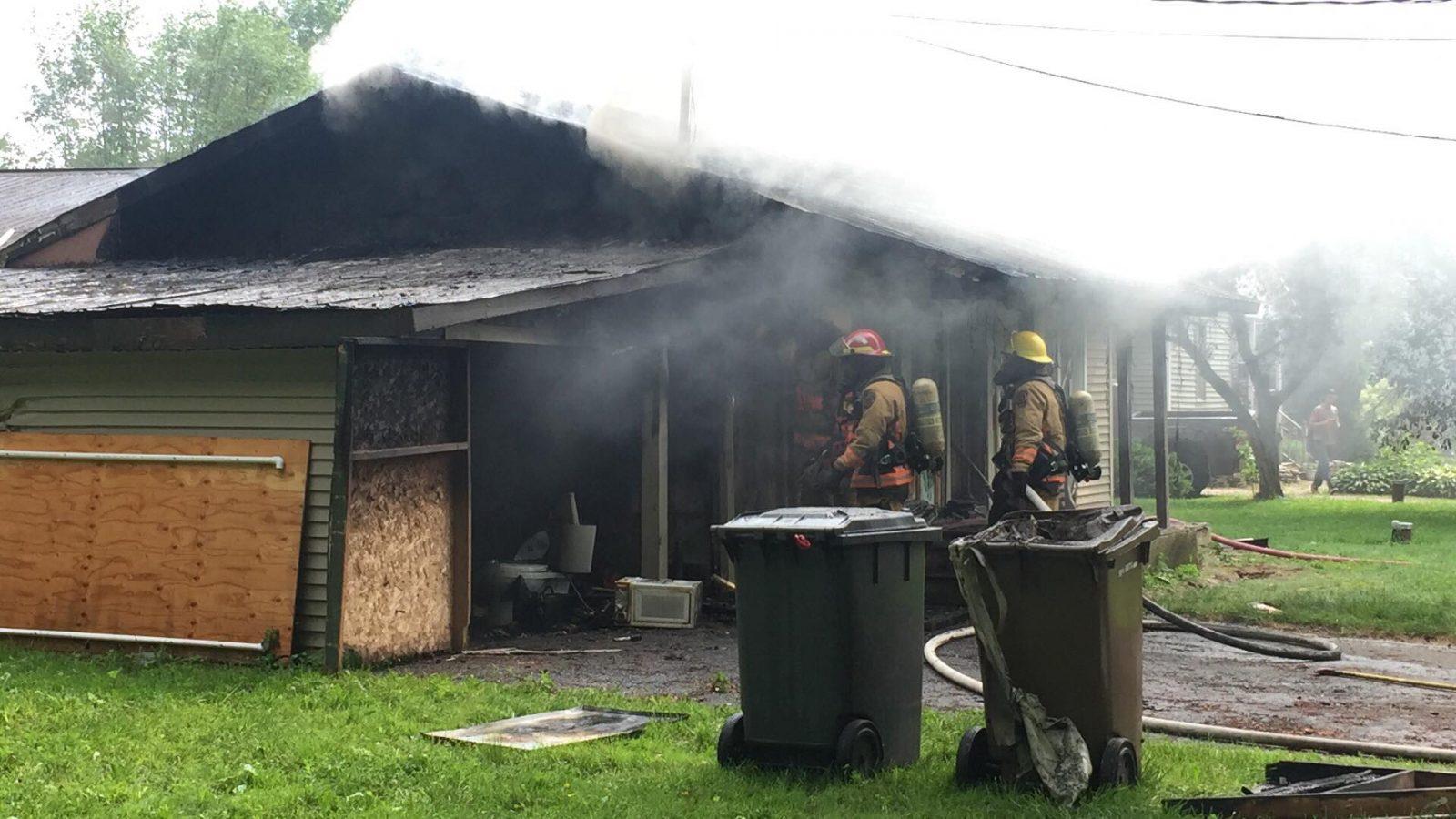 Une résidence en feu sur la rue Edward-Connely