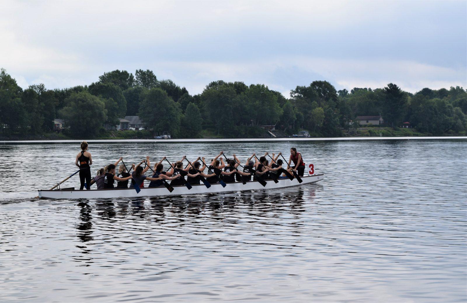 Bateaux-dragons: une compétition rassembleuse à Drummondville