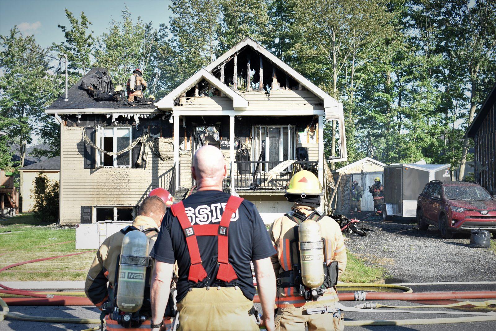 De futurs mariés voient leur maison partir en fumée