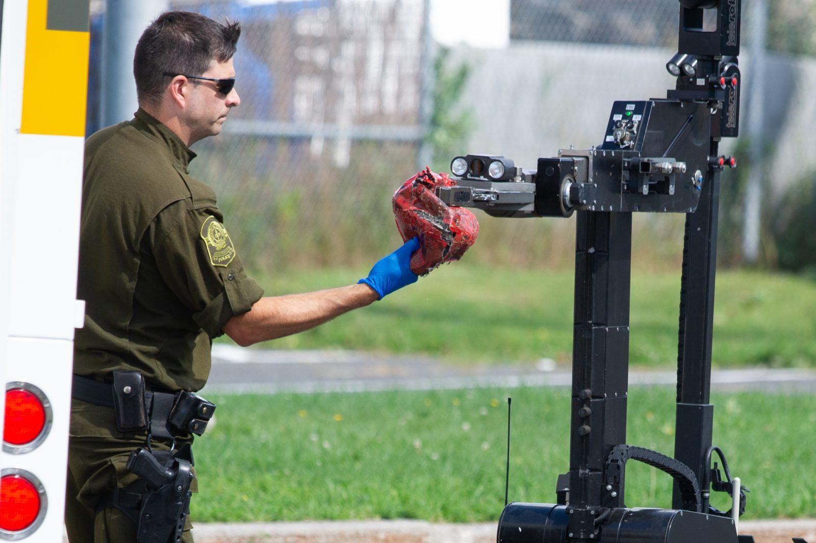 Colis suspect au parc Messier : il s'agissait d'un ballon de football (photos et vidéo)