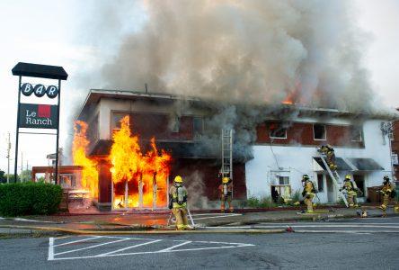 Incendie majeur sur le boulevard Mercure (photos et vidéo)