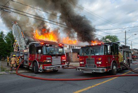 Neuf personnes jetées à la rue à la suite de l'incendie du boulevard Mercure